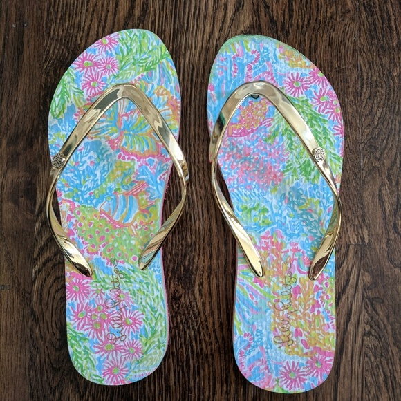 478fbec2e Lilly Pulitzer Shoes - Lilly Pulitzer Lover s Coral Flip Flops Size 7 8